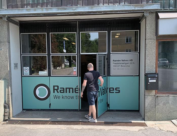 Garage door at Ramén Valves